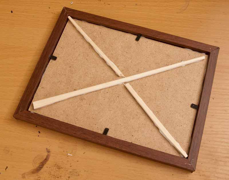 割り箸による裏板補強