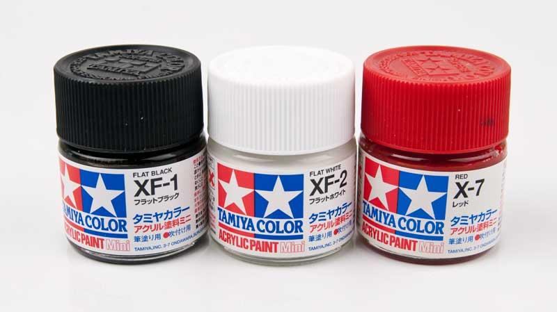 使用する3色の塗料